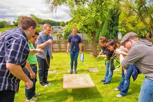 labyrinth als idee fuer teamevent outdoor